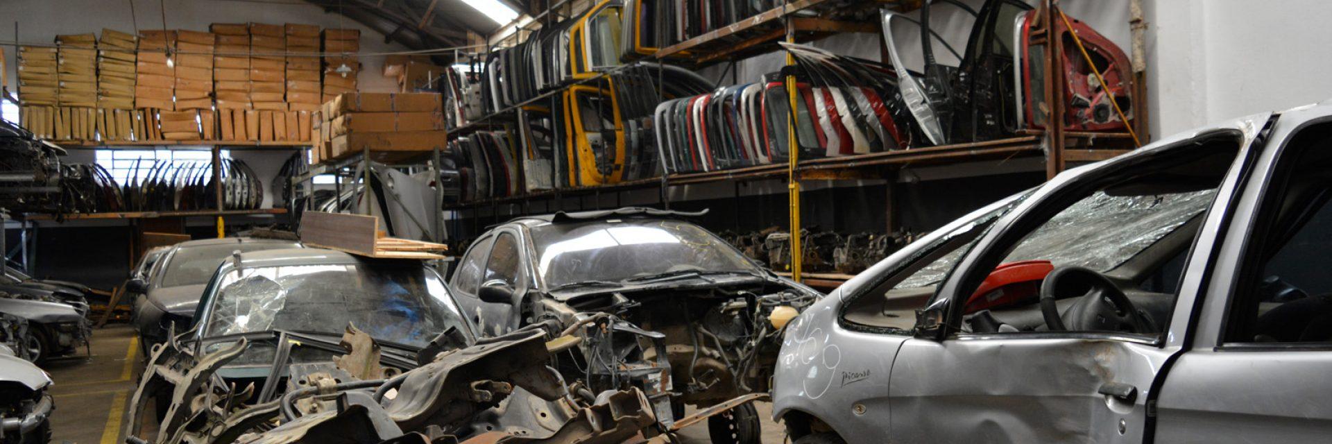 Só Frances a maior empresa de peças novas e usadas no seguimento de carros franceses